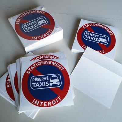 Stickers interdiction de stationner. Emplacement réservé aux taxis.